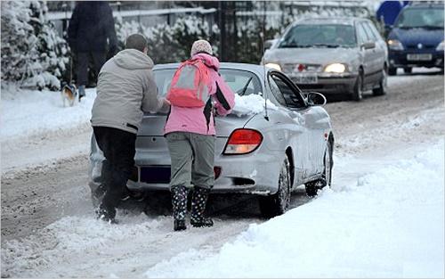 завести двигатель автомобиля в мороз